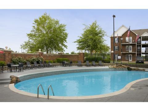 Williamsburg Plaza Apartments Platte City Mo